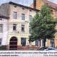 Auf dem Foto von Viola Petersson ist das Haus Nr. 82 in der Eisenbahnstraße zu sehen. Die Fassade ist renovierungsbedürftig und das Haus ist vollständig leer.a